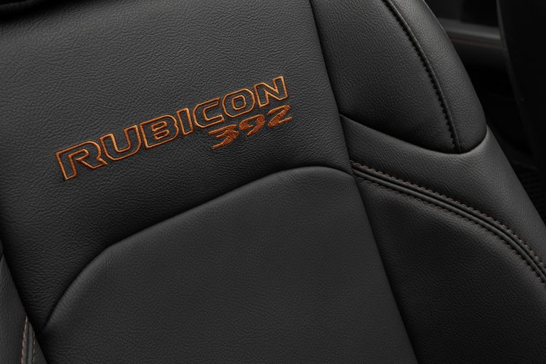 Rubicon 392 seats